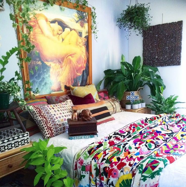 Love the warmth of this bedroom