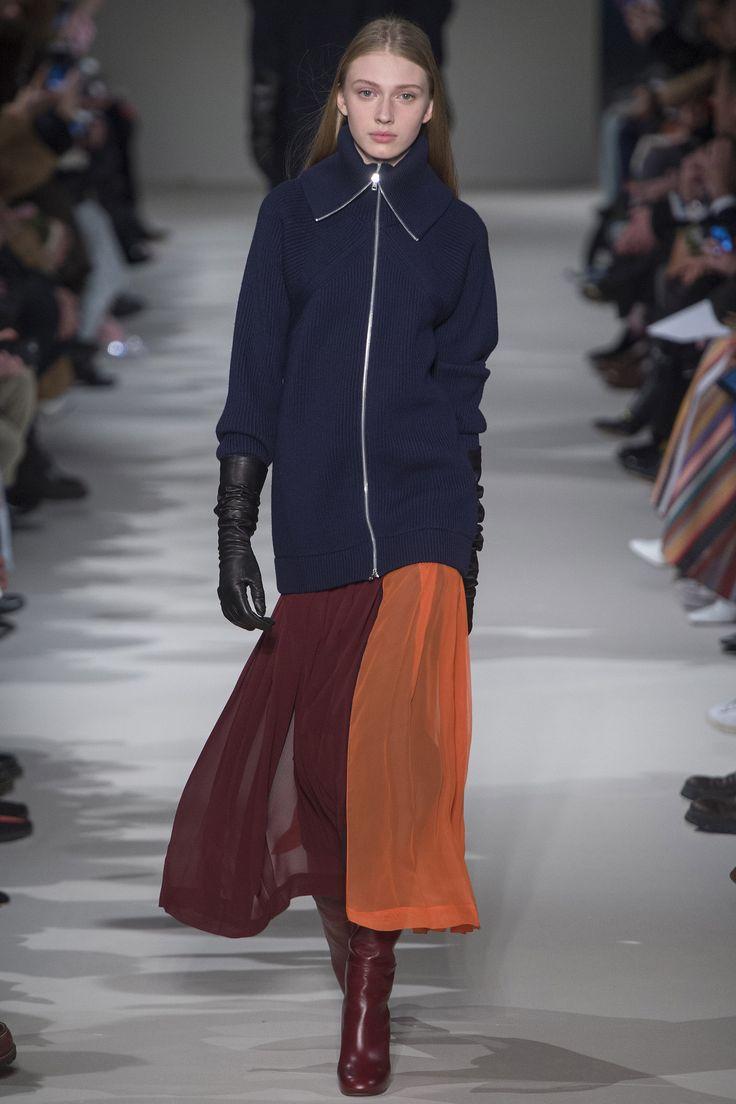 Défilé Victoria Beckham prêt-à-porter femme automne-hiver 2017-2018 11