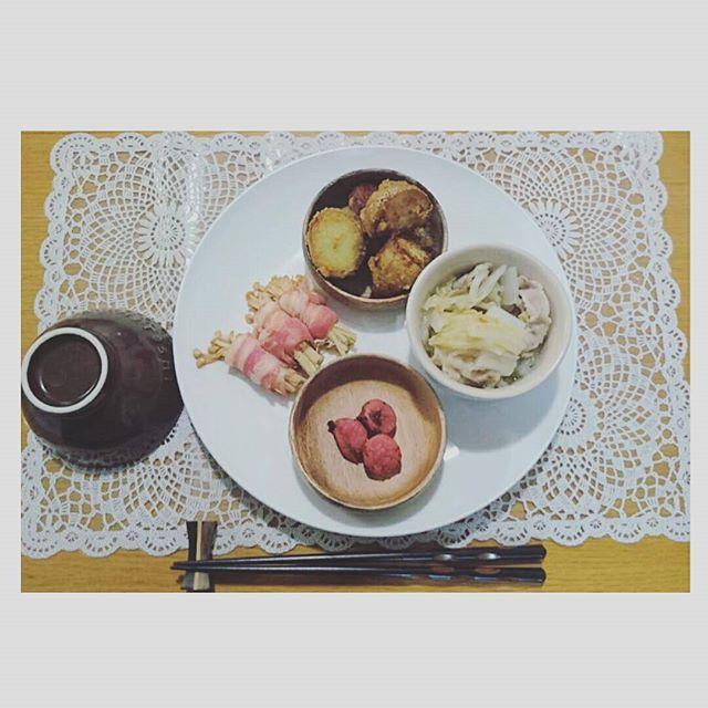 5hokooooo25おうちごはん  味噌かんぷら 白菜と豚肉の出汁煮込み かつお梅 えのきベーコン  #おうちごはん