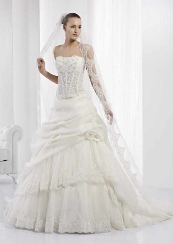 Collezione abiti da sposa #Jolies, abito da #sposa modello JOAB13449IV