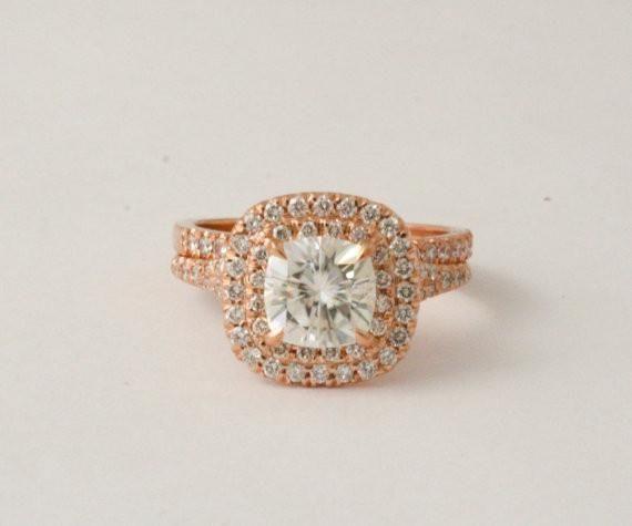 SET - 7mm Cushion Moissanite Diamond Split Shank Engagement Ring in 14K Rose Gold