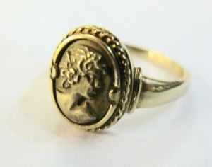 10Kt. Cameo Ring