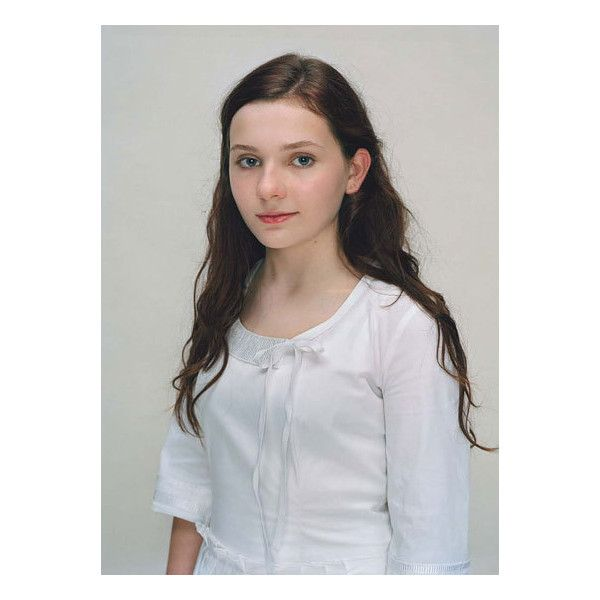 W magazine, Chloe Moretz, Abigail Breslin, nicola peltz, hailee... ❤ liked on Polyvore featuring abigail breslin, actor and girls