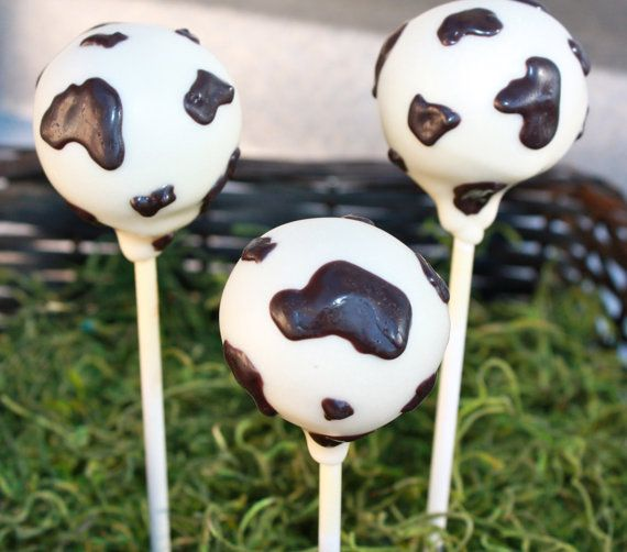 Cow Cake Pops by sweetpopsshop on Etsy, $28.00