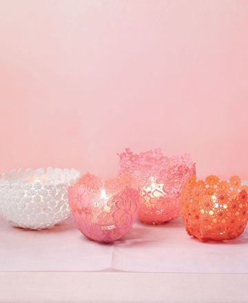 These are so pretty! I want to run out and buy up all the lace that is out there and make these NOW!