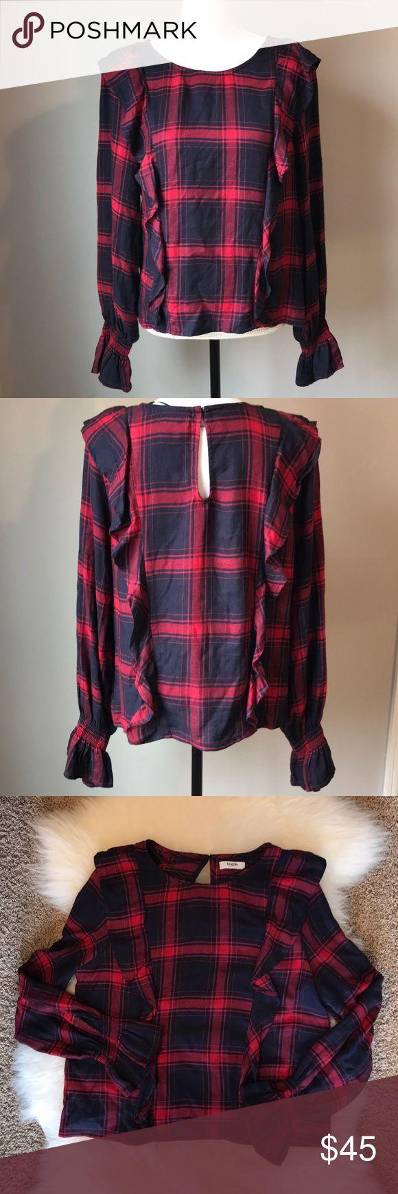 """Kensie Jeans ruffle top Large Kensie Jeans ruffle top Large  Red & dark Navy  bell sleeves Measurements  ua-ua 21"""" flat lay 23"""" Length Kensie Jeans Tops Blouses"""