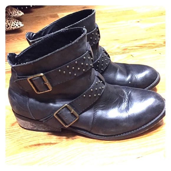 Shoemint Sidney Leather Moto Booties Already broken in so you don't have to! Awesome Sidney booties from Shoemint. Worn with love and still lots of life left! Shoemint Shoes Ankle Boots & Booties