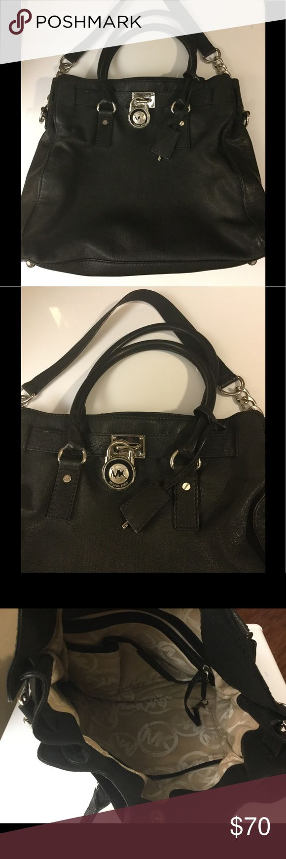 Michael Kors Hamilton bag Pre-loved...Has normal wear and tear...It's in good condition... Michael Kors Bags Shoulder Bags