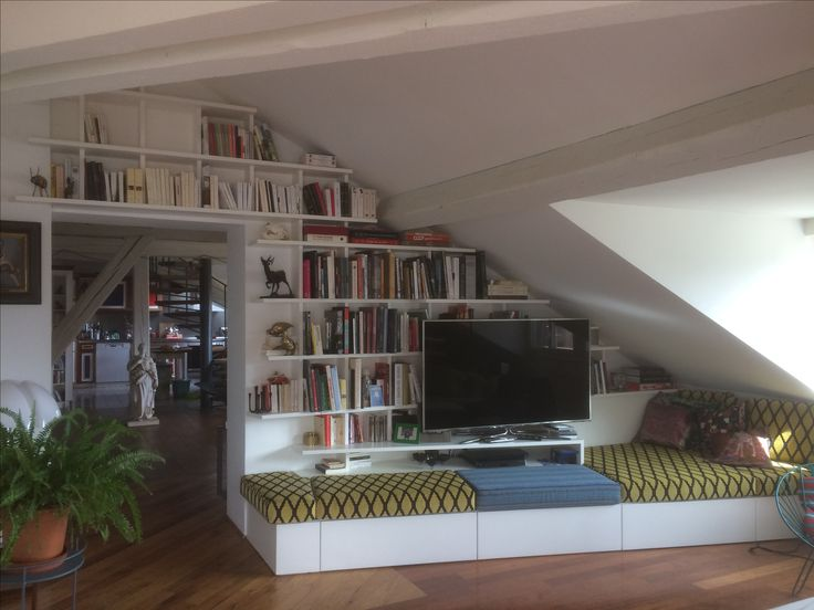 Bibliothèque Murale en médium Laqué Blanc avec assise et tiroirs intégrés