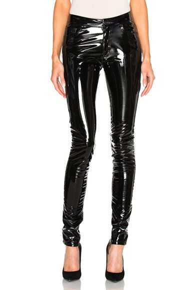 Shop for Anthony Vaccarello Slim Vinyl Pants in Schwarz at FWRD. 2-Tages-Versand und Rückgabe.