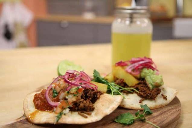 God och enkel syrad rödlök som passar perfekt till mexikanska rätter!
