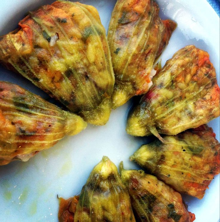 Tender blossoms of zucchini filled with rice at 'Manolis' in Hersonissos