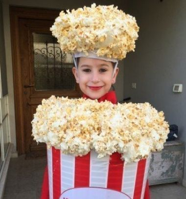 DIY Popcorn costume // Popcorn jelmez - pattogatott kukorica jelmez gyerekeknek // Mindy - craft tutorial collection // #crafts #DIY #craftTutorial #tutorial
