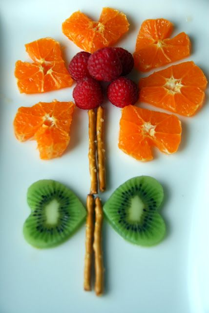 Fruit Flower Fun food for kids Easy Creative Heart Healthy food +++ Flor hecha con fruta en forma de corazoneskiwi naranja fresa comida sana saludable para niños facil rapida postre