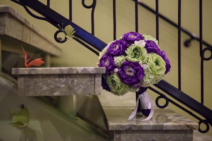 Wedding bouquet-photography by Brian Sumner  Just idea- no link