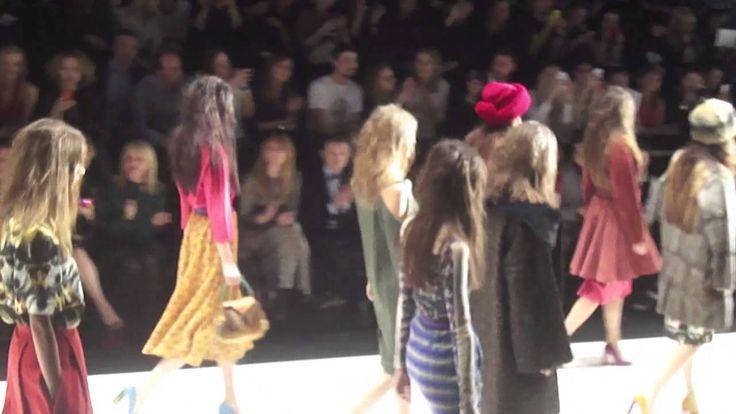Алена Ахмадуллина на Mercedes-Benz Fashion Week Russia