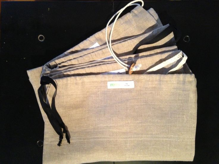 Lovely shoebags made out of linnen. A remake from spareparts after making bedsheets.  #remake #eco #DIY