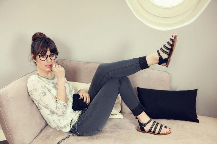 Zooey Deschanel looking super cute (this is what I wish I looked like in my lounge pants!)