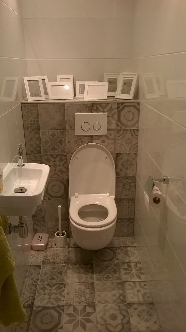 14 best tegelhuys toilet tegels tiles images on pinterest toilets bathroom toilets and - Tegels wc design ...