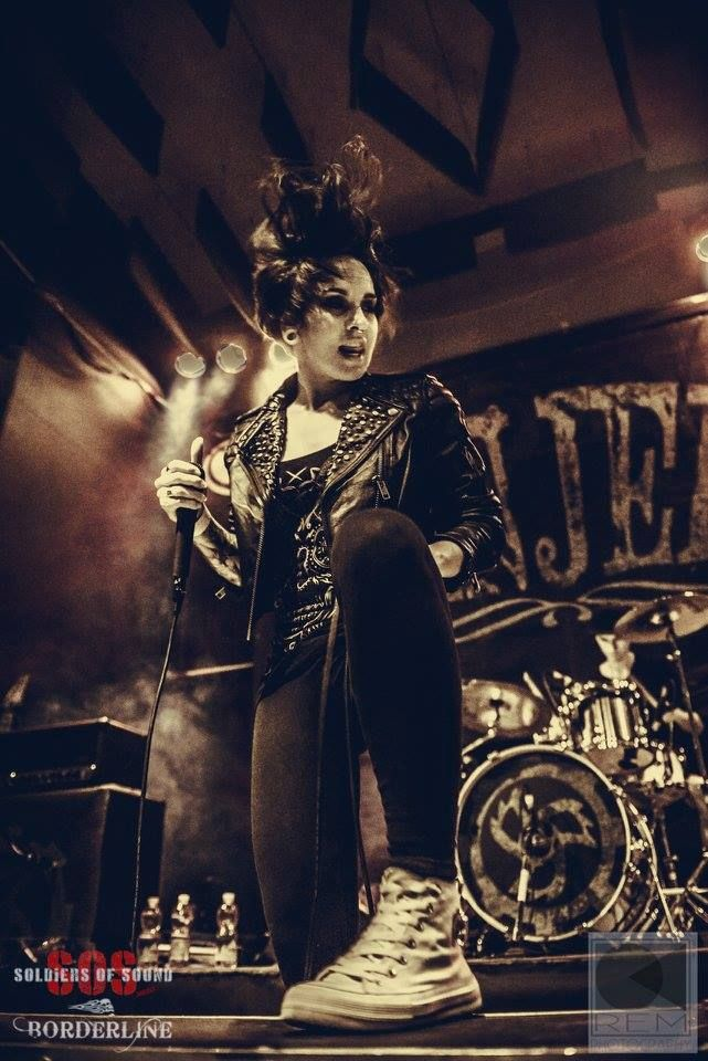 Tatiana Shmailyuk - JINJER - Ukrainian Groove metal/progressive metalcore/female vocal band. This is Pure Aggression.