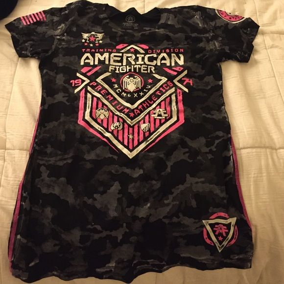 Women's American Fighter Shirt Never been worn! Brand new from the Buckle! Tops Tees - Short Sleeve