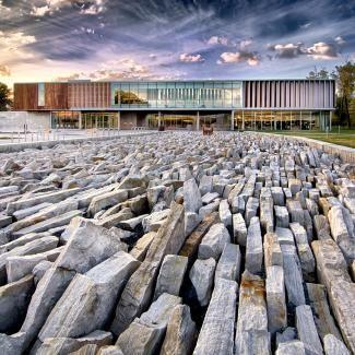 Cn_Library_Saint-Hubert_[Raymond-Lévesque public library]_Atelier TAG and Jodoin Lamarre Pratte architectes in consortium