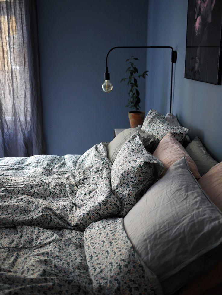 bedroom, blue wall | Sanna Tranlov