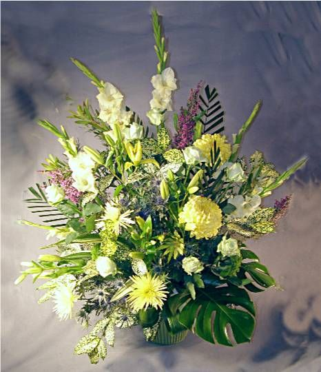 Church Altar Wedding Flower Arrangements: 17+ Images About Flower Arrangements For Church On