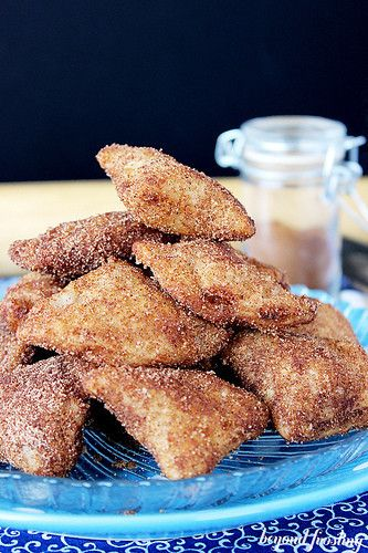 Deep Fried Apple Pie Bites | My favorite apple dessert recipe for fall! These fried bites are SO good.