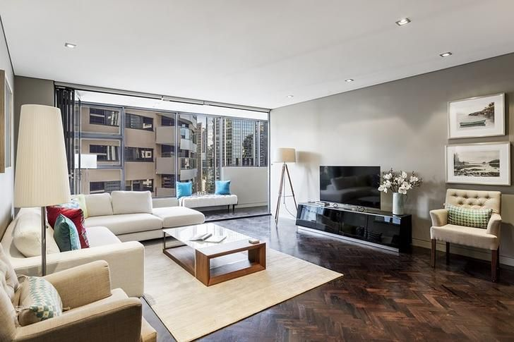 FOR RENT: 171 Gloucester Street, Sydney, NSW 2000 Spacious and stylish furnished two bedroom apartment via Rent.com.au // #luxuryliving #sydneyrentals #amazinghouses