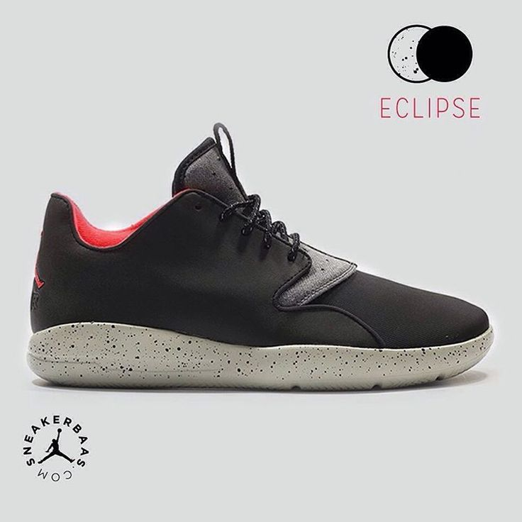 #jumpman #23 #airjordan #eclipse #airjordaneclipse #sneakerbaas #baasbovenbaas  Air Jordan Eclipse - The Air Jordan Eclipse proves that even a simple colorway can make a sneaker special, the black upper creates a dope concept in combination with the grey speckled midsole and red lining.  Now online available   Priced at 119.95 EU   Men Sizes 40-46 EU