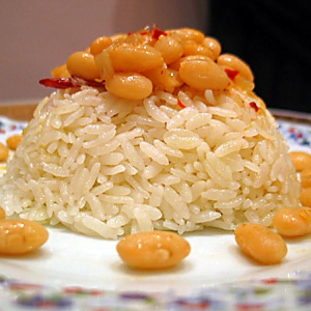 Kuru fasulye - bean dish with rice