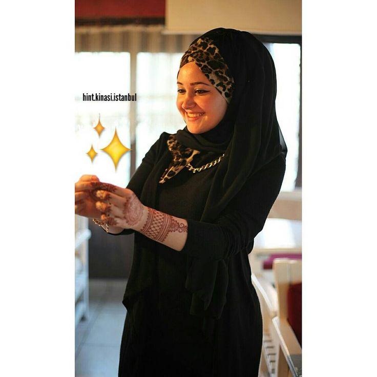 Bone şal için @hurrem_saldunyasi_   Bilgi ve rezervasyon için DM  #henna #hennaalem #hennaart #hennatattoo #hennadesigne #love #designe #hindistan #pakistan #mehndi #designe #arabic #tattoo #bollywood#kına #fashion #kınagecesi #kınaorganizasyon #hint #hintfan #hintkinasi #hintkınacısı #istanbul #tattoo #geçicidövme #hennanight #bridalhenna #beauty #hands #fingers #body #makeup