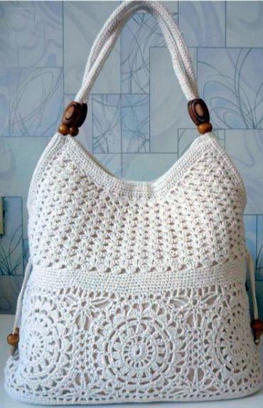 При помощи схем с пояснениями вы сможете связать удобную и стильную сумку с узорами крючком.