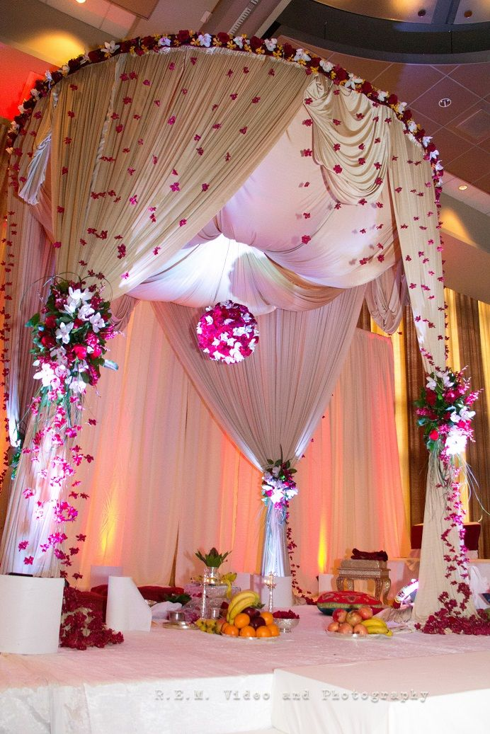 The floral and delicate linen brought together a whimsical Mandap #OliveaireDesignStudio