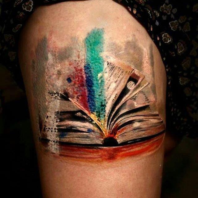 #BookTattoo week . #book #books #tattoo #tattoos #libro #libri #tatuaggi #tatuaggio #booktattoos #booktattoostyle #ink #beauty #love #lovetattoo #lovetattoos #lovebooks #lovebook #loverrad #lovereading #passion #passione #readpassion #tattoopassion #viaggiatricepigra