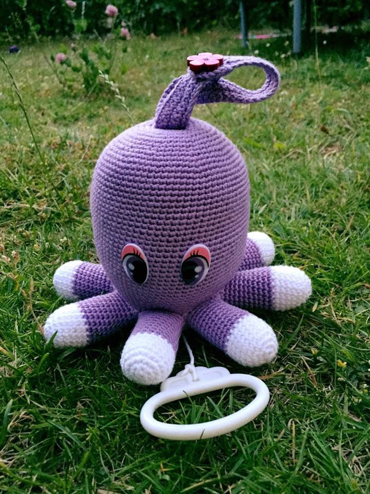 Crocheted Octopus musicbox