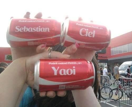 Even coke ships it<<<whoever went through the trouble to do that.... *applause*