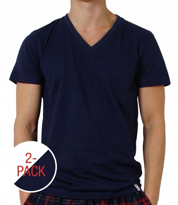 V-Neck Shirt von Bruno Banani aus 100% feiner Baumwolle. Doppelpack zum günstigen Vorteils-Preis. Ein Shirt in weiß und ein Shirt in der Farbe navy. Bruno Banani steht für Lifestyle-Mode für den modernen Mann und bietet dabei Herrenwäsche in feinster Qualität. Das Shirt hat eine bequeme Passform und ist angenehm zu tragen. Farbe: navy  Für weitere Infos: http://www.boxxers.de/BRUNO-BANANI-2-Pack-V-Shirt-halbarm-weiss-navy