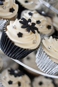 wedding cupcakes-love the black & silver accents.