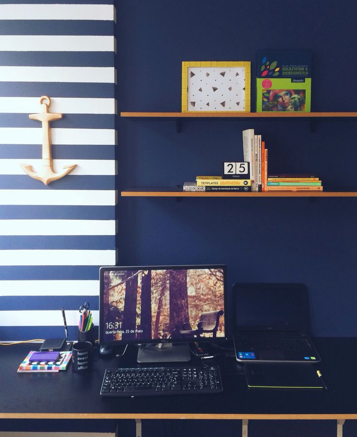 Workspace office - Studio Bild Design, Web & Photography • Dark blue wall • decor • inspiration