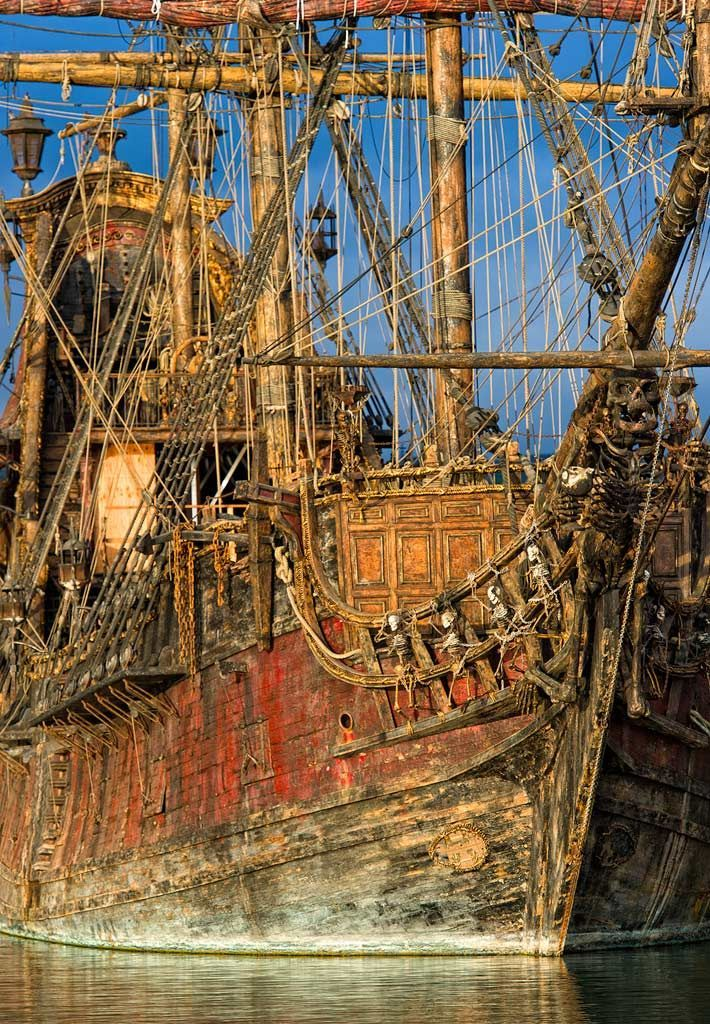 Old Tall Ship - Notice the skeletons on the side