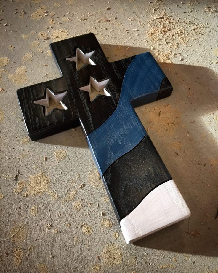 The Peacemakers Cross #thinblueline #woodencross #thinbluelinecross #peacemaker