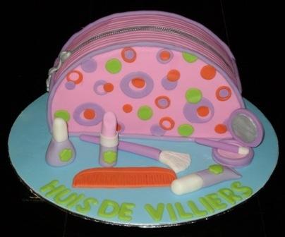 Makeup Bag Cake #makeupbagcake