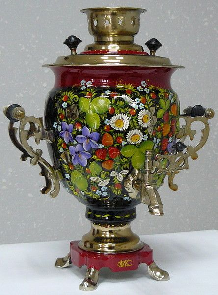 Today is a great demand for samovars with artistic hand-painted outer surface. To do this, set up a separate production, employs around 100 highly skilled artists.  Each samovar with decorative painting has its own personality.