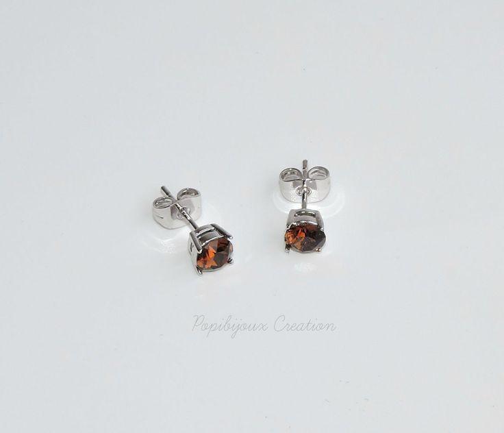 COLLECTION ELEGANCIA Puce d'oreille cristaux swarovski elements smoked topaz : Boucles d'oreille par popibijouxcreation