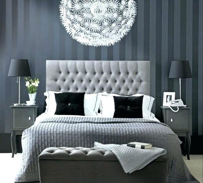 Schlafzimmer Rot Grau Streichen In 2020 Apartment Bedroom Decor Gray Bedroom Silver Bedroom
