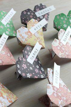 20 Origami Paper Heart Name Place Cards Handmade von NANAZOOLAN