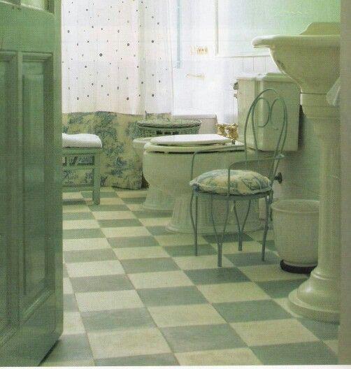 Calcareos verde agua en baño