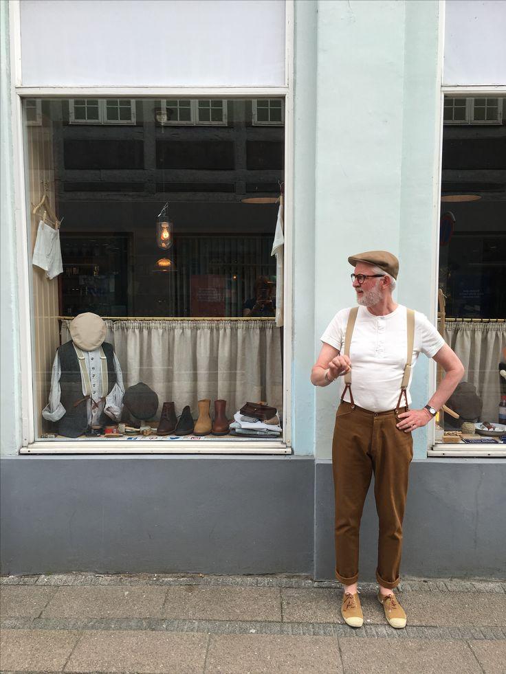 Have a break have a Gauloise ...! #herremode #hemen #lanefortyfive #madeinfrance #madeinuk #menswear #vintagelook #henley #gauloisesbrunes #cap #kasket #casquette #tibberuphøkeren #smallshopkeeper #derkleinekrämer #lepetitcommerçant #explorehelsingør #helsingor #visitnordsjælland #bensimon